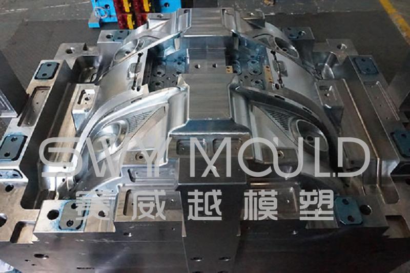 Diseño y fabricación de moldes de lámparas para automóviles