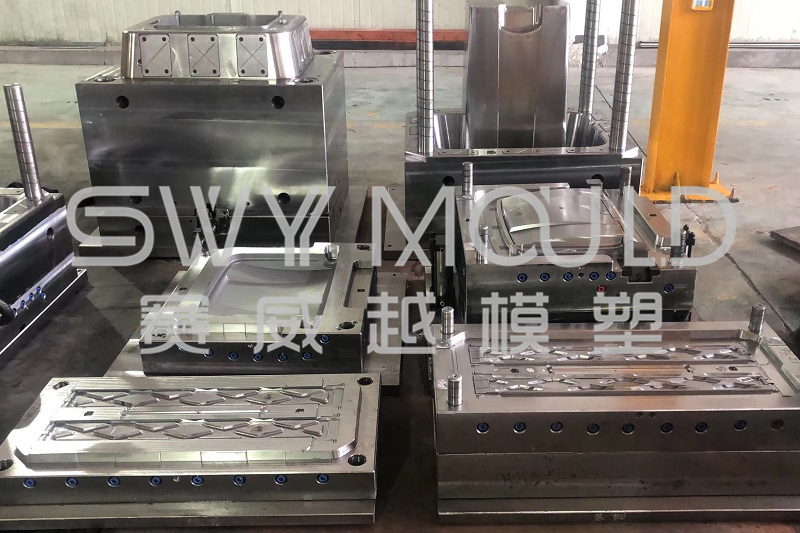 Puntos clave de la fabricación de moldes para cubos de basura de plástico