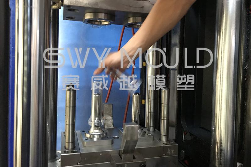 Las características técnicas del molde de embriones de tubo de plástico